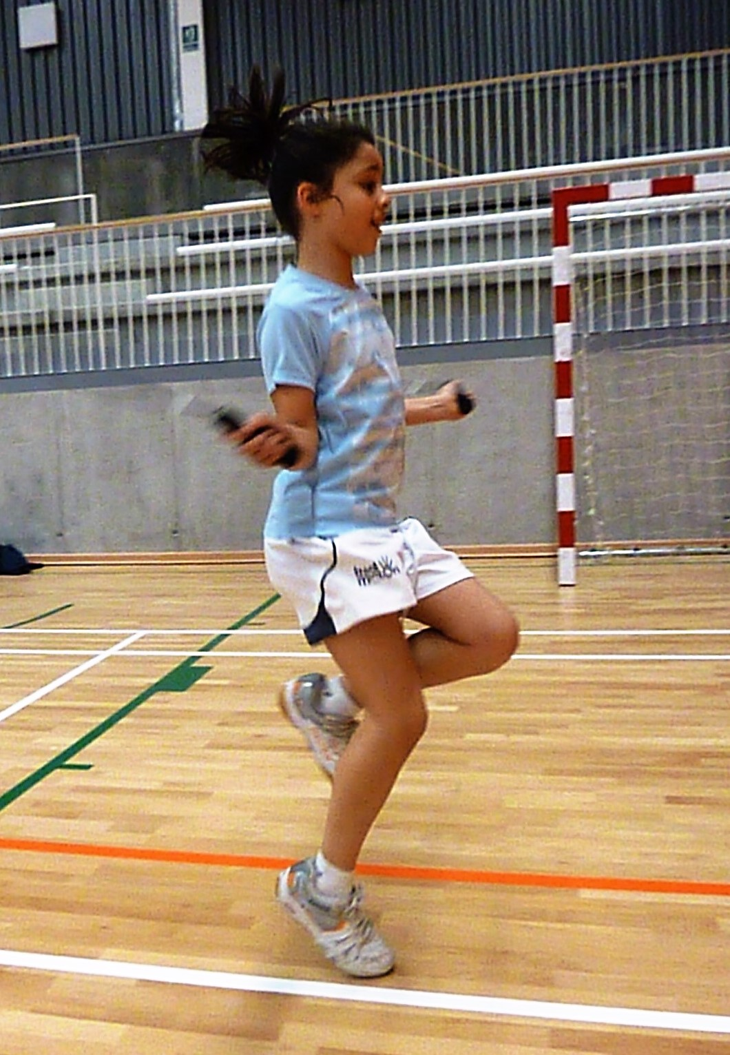 Badminton skipping Julia - 6 Ways to use your skipping rope